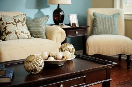well decorated living room five home decor bloggers - Home Decorating Blogs