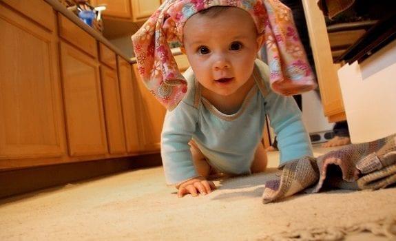 baby-crawling-benklocek-flickr-original-resized