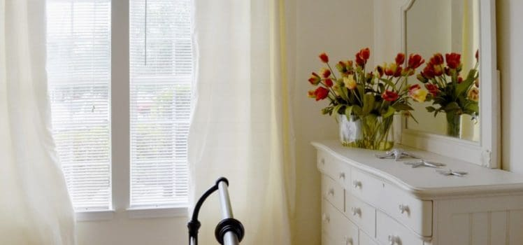 Easy and Interesting Options for Senior Decorators | ApartmentGuide.com