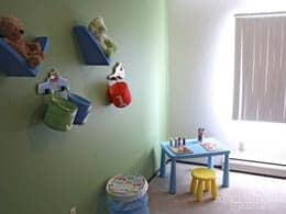 MN-Rochester-Summit Square-kids room-thumbanil
