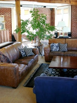 Where to find nice cheap furniture in tacoma for Cheap nice furniture