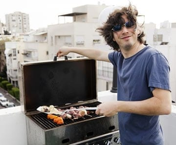 Summer is the time for a grilling party. Check out these great grill tips!