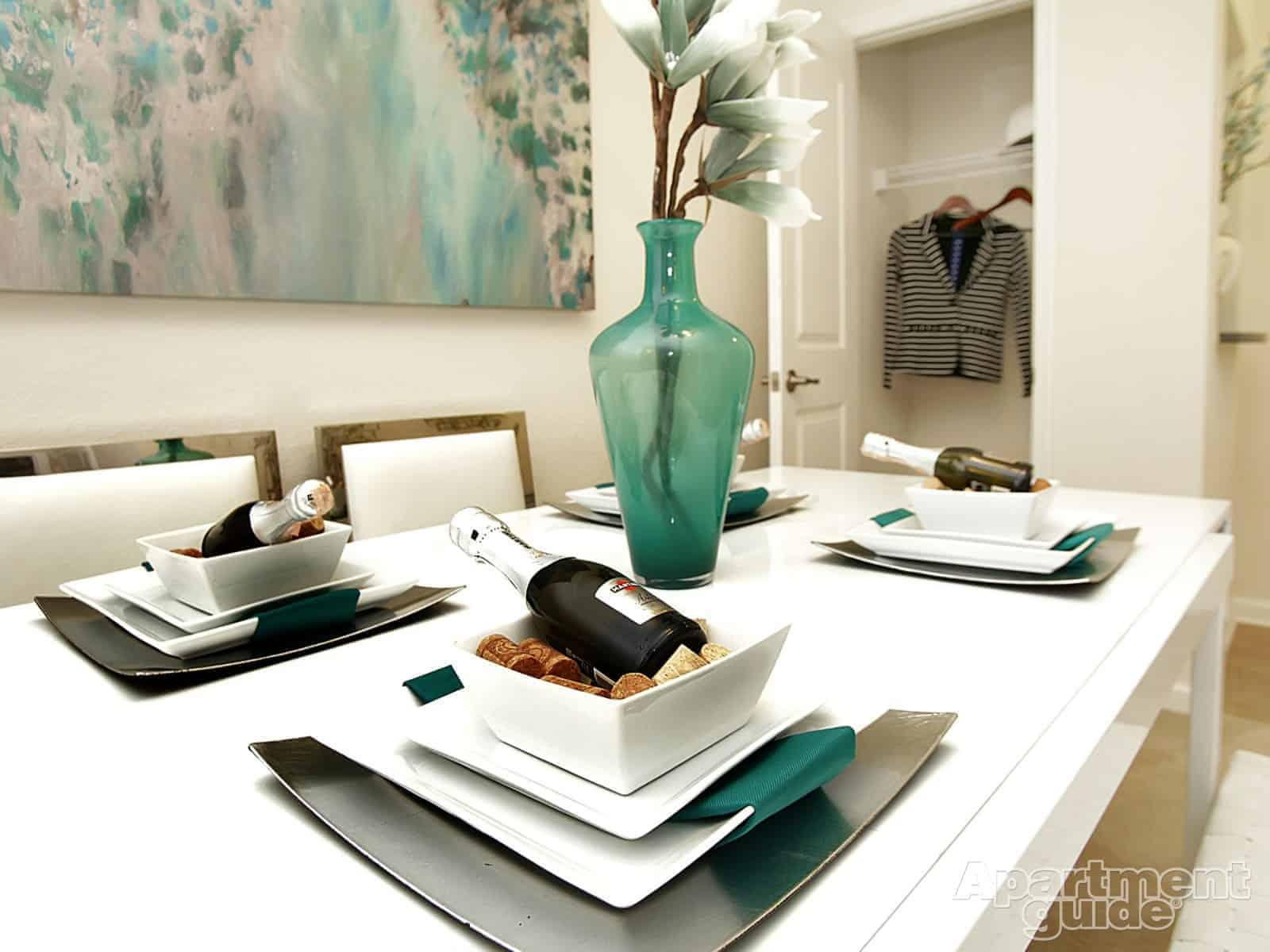 Divine Dining: 8 Tips to Choose the Right Dining Table ...