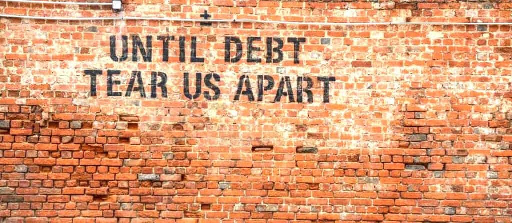 Help – My Spouse Has Bad Credit! What This Means for Renting