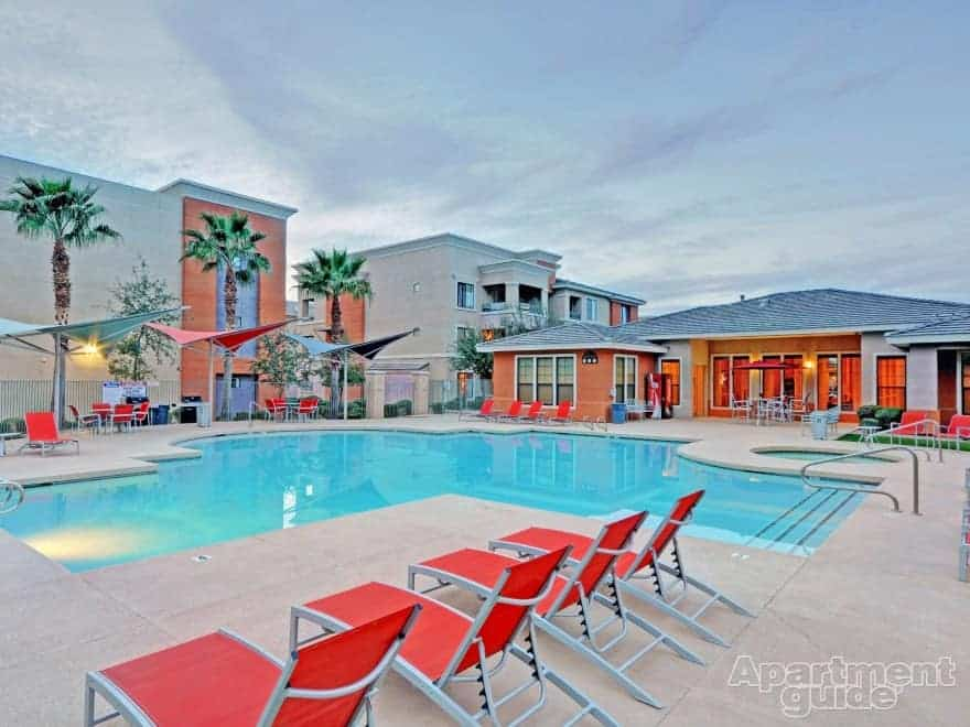 https://www.apartmentguide.com/blog/wp-content/uploads/2014/05/AZ-Mesa-Waterford-at-Superstition-Springs-pool1.jpg