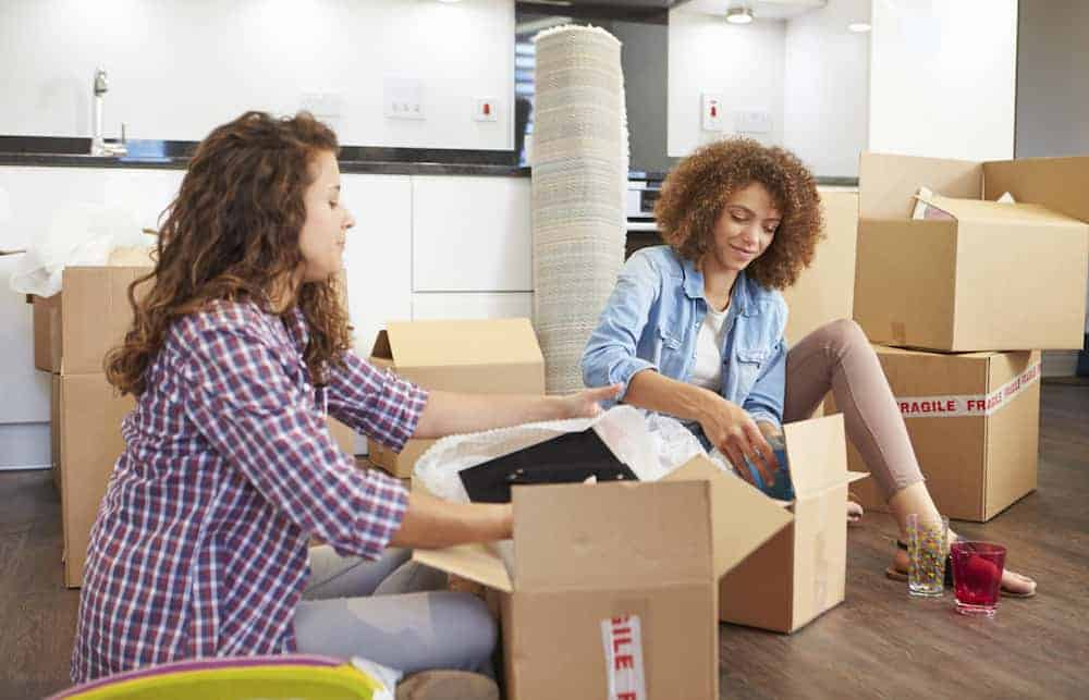 7 Tips for Moving on Short Notice - Recruit Help from Friends