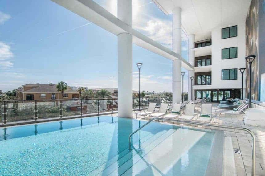 500 Harbour Island pool in Tampa
