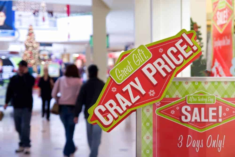f6bc73bc708 Black Friday vs. Cyber Monday: Which is Better for Holiday Shopping ...