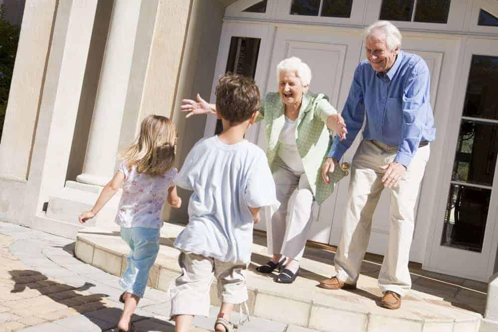 kids running to see grandparents