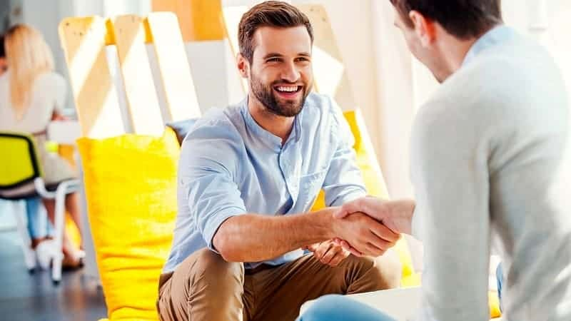 roommates shaking hands roommate agreement