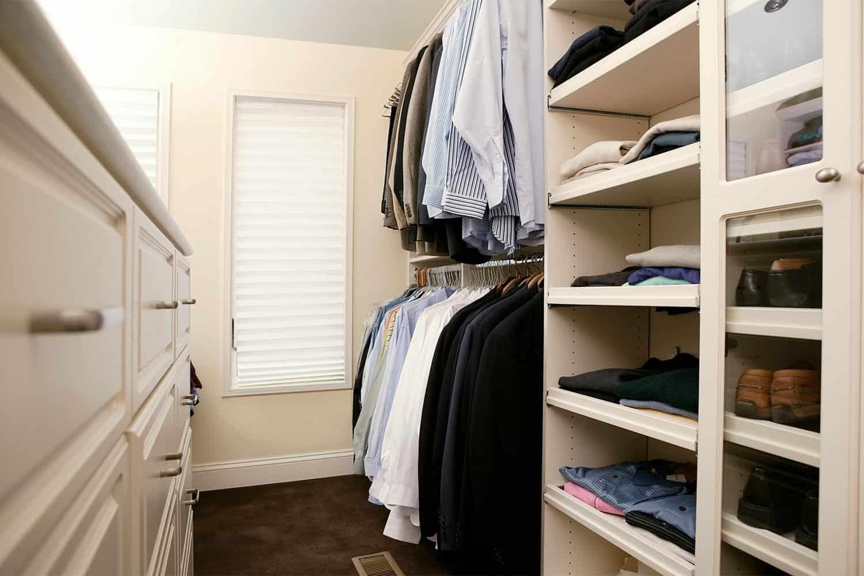 photo that shows organized closet