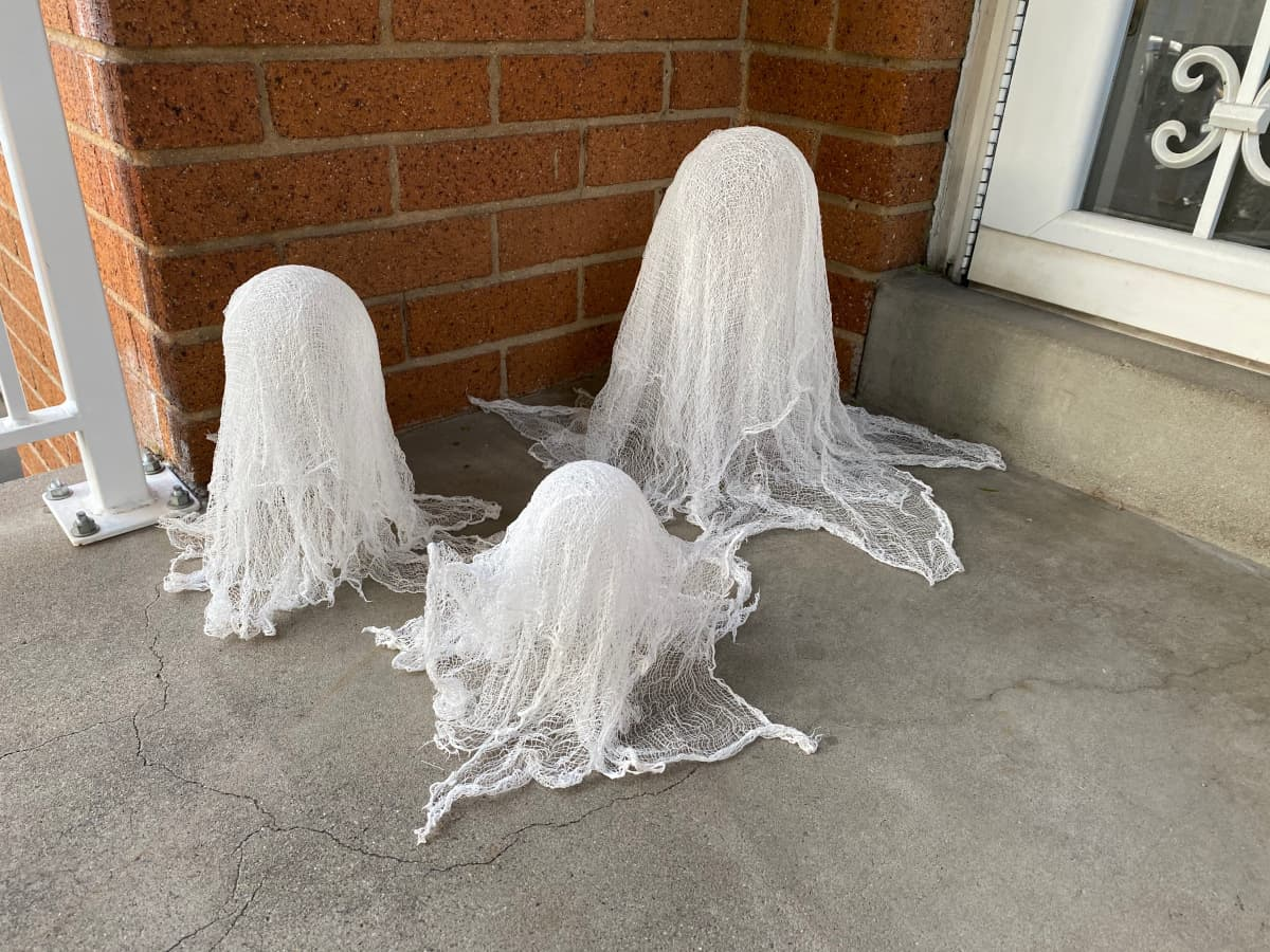 Display your DIY ghosts