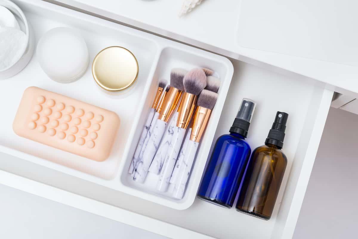 makeup trays
