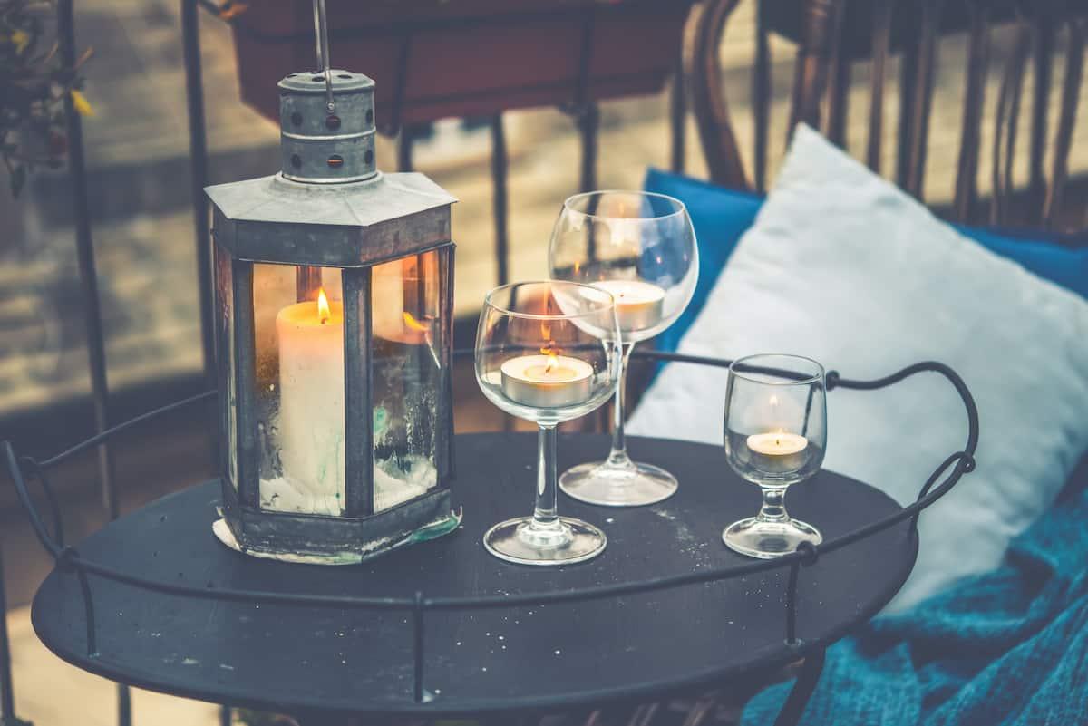 apartment balcony ideas candles